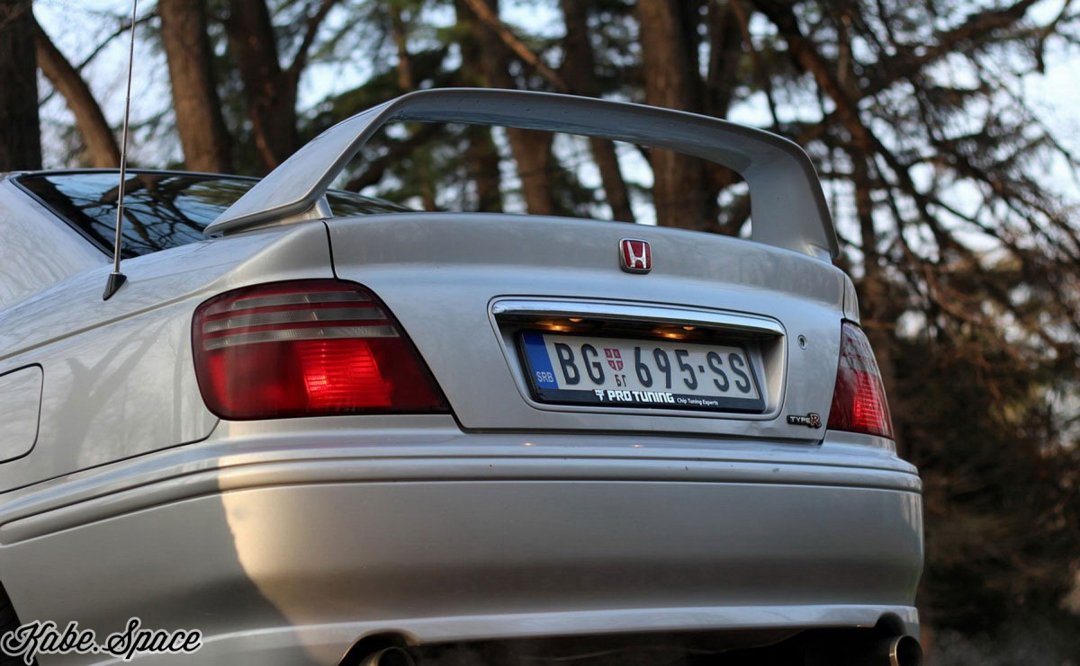 Honda_Accord_Type_R_kabe_04