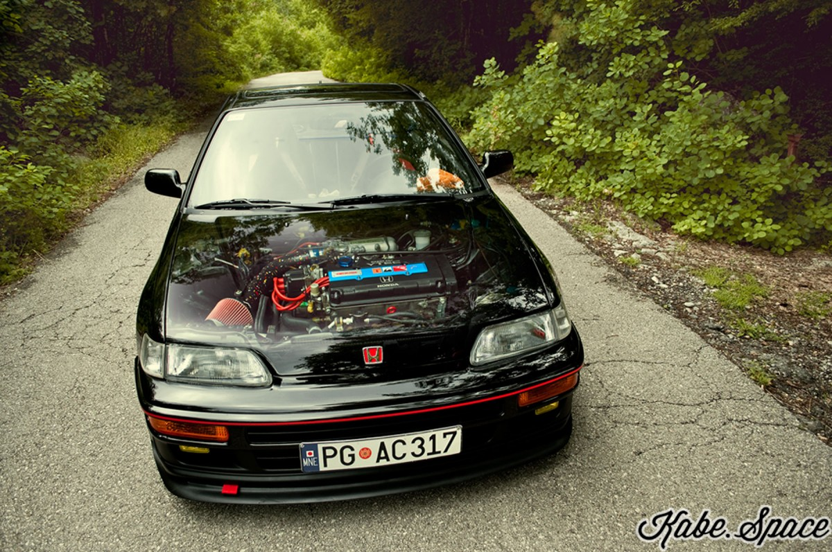 Honda_CRX_i-vt_EE8_kabe_06